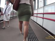 Tight_Skirt_Business_Lady.mp4