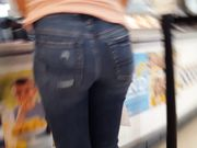 Candid voyeur incredible tight thick ass hottie at mall