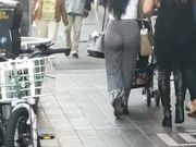 STROLLER BOOTY candid SEE THROUGH FAT ASS BOOTY