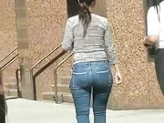 COFFEE BREAK BOOTY candid ass TIGHT JEANS